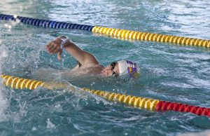 5 ways swimming can help with rehab